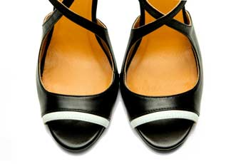 Black Handmade Womens Shoes High Heel Sandals with criss cross straps