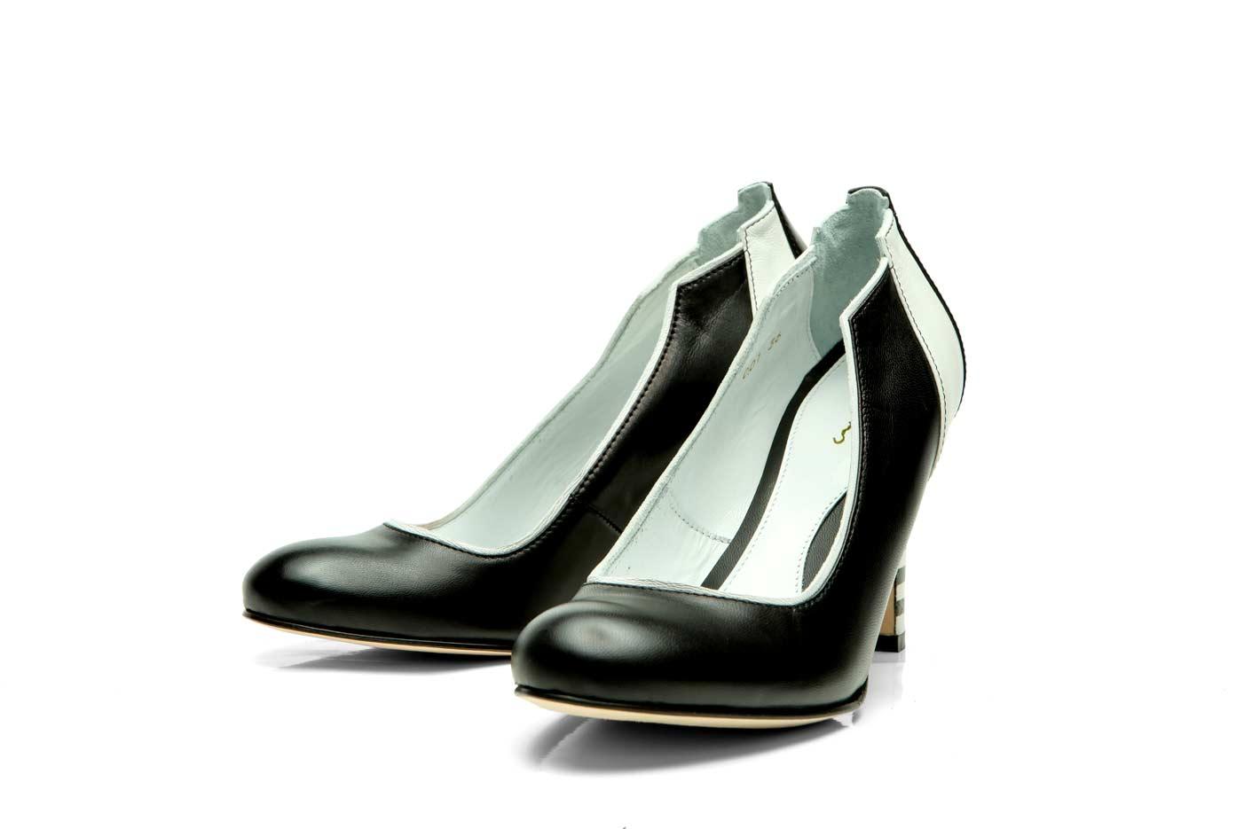 Black pumps   High heels   Official